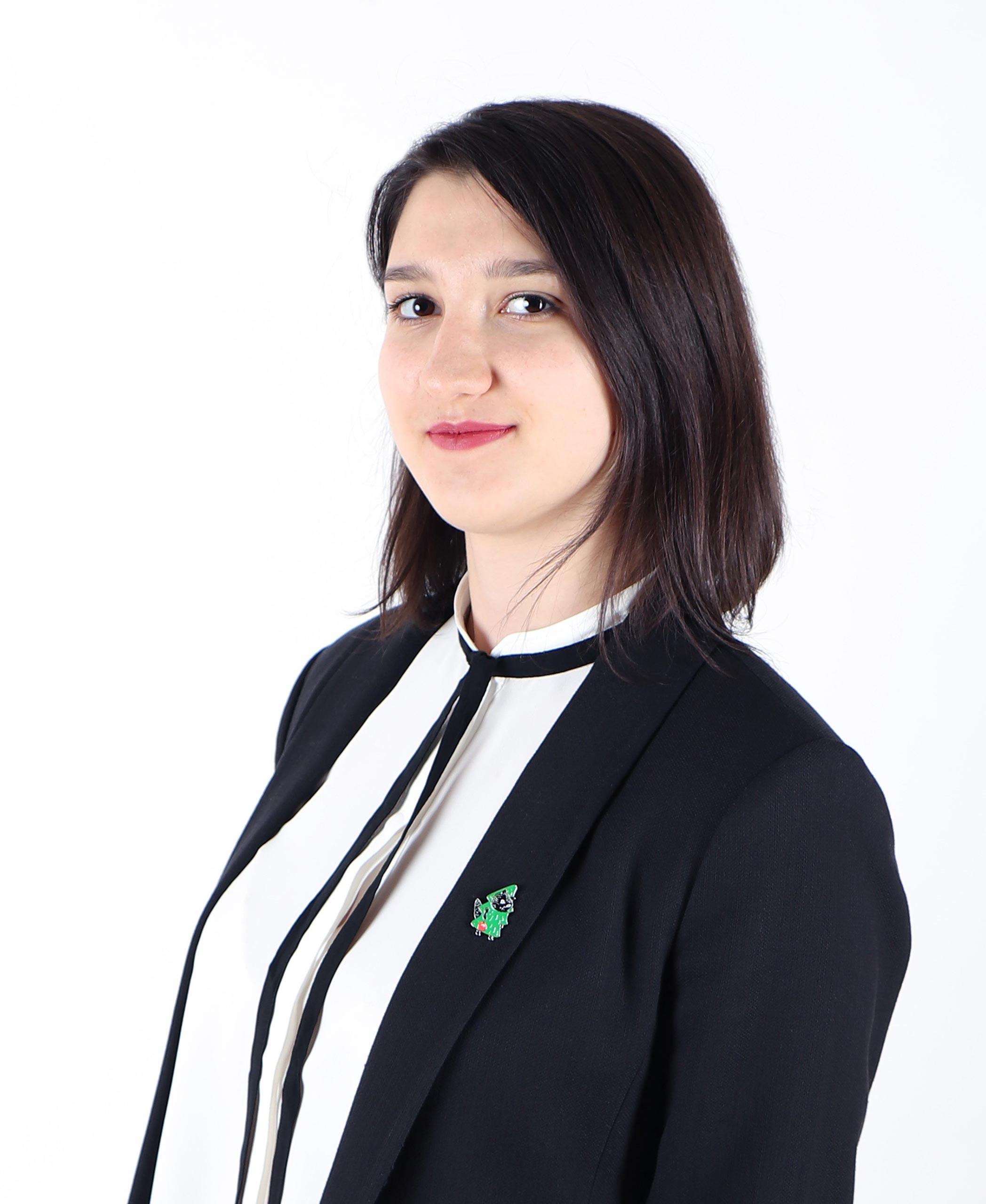 ХАМИДУЛИНА ЕКАТЕРИНА РАМИЛЬЕВНА педагог дополнительного образования, Руководитель студии «Промышленный дизайн»